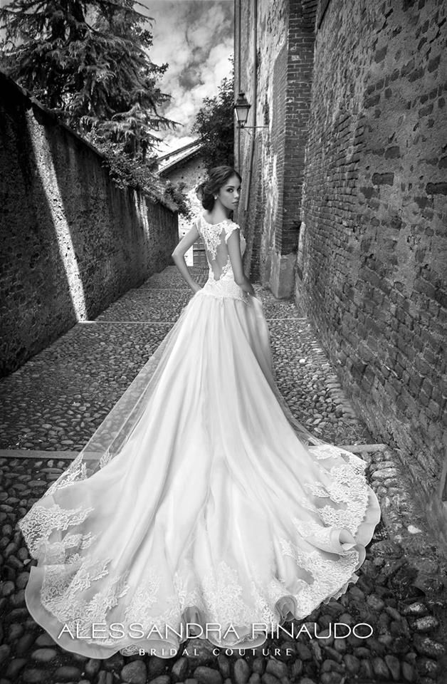 Silvie from #Alessandrarinaudo 2015 Bridal Collection #weddingdress #fashion www.alessandrarinaudo.it