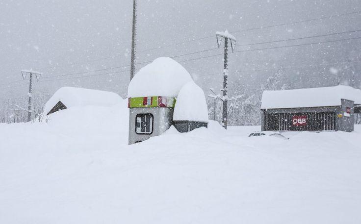 Extremwetter: Schneesturm in Serbien, Überschwemmungen in Rom