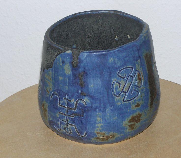 Urtepotte i stentøjsler lavet på Keramikhøjskolen i København 2007 #KroezeDezign