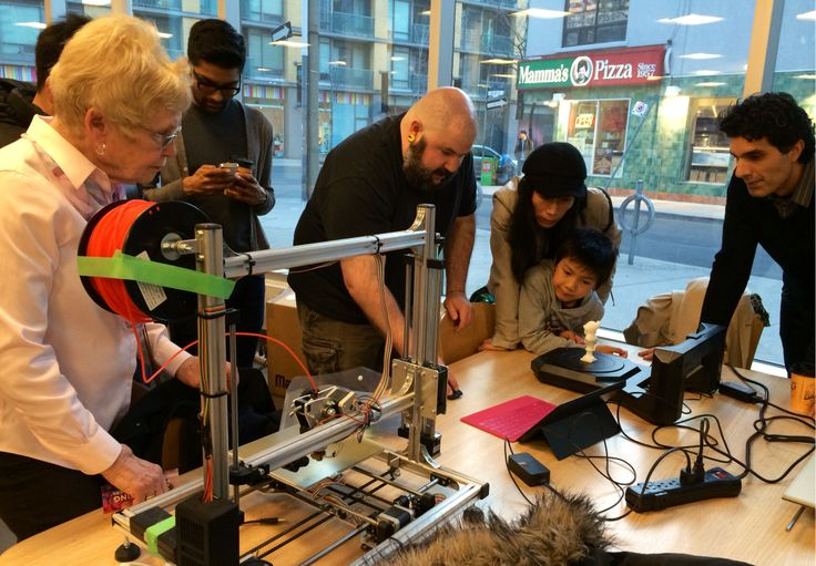 Innovator in Residence Derek Quenneville demonstrated the Makerbot Digitizer 3D Scanner at the Toronto 3D Printers MeetUp held at the Toronto Reference Library in March 2014.