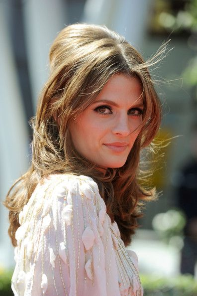 I seriously have a girl crush on her!  Love Castle and Stana Katic