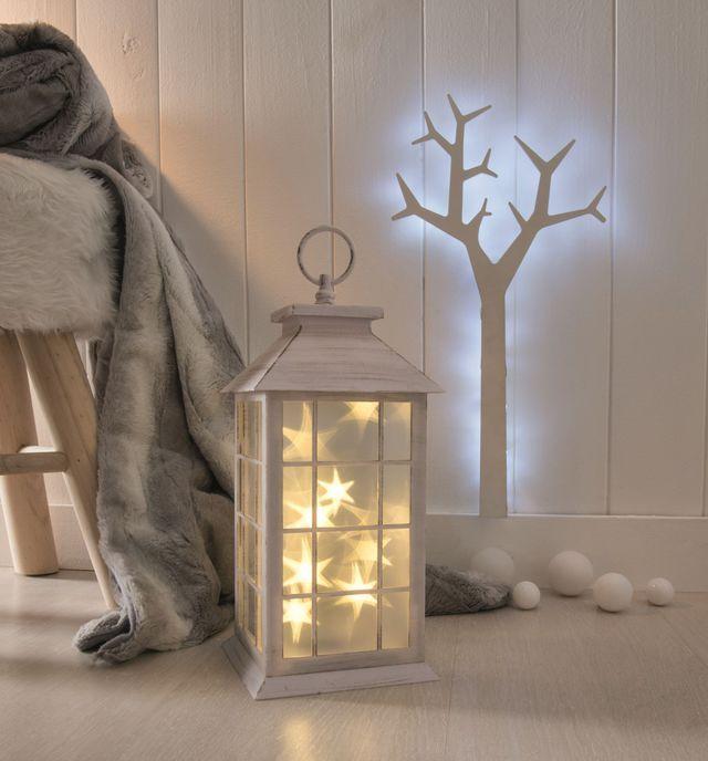 Une lanterne magique pour un Noël étoilé.