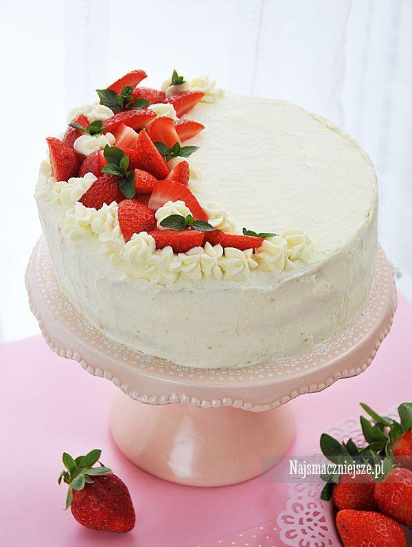 Tort z kremem mascarpone, tort z truskawkami, tort z mascarpone, tort z owocami, truskawki, mascarpone, http://najsmaczniejsze.pl #food #cake #truskawki