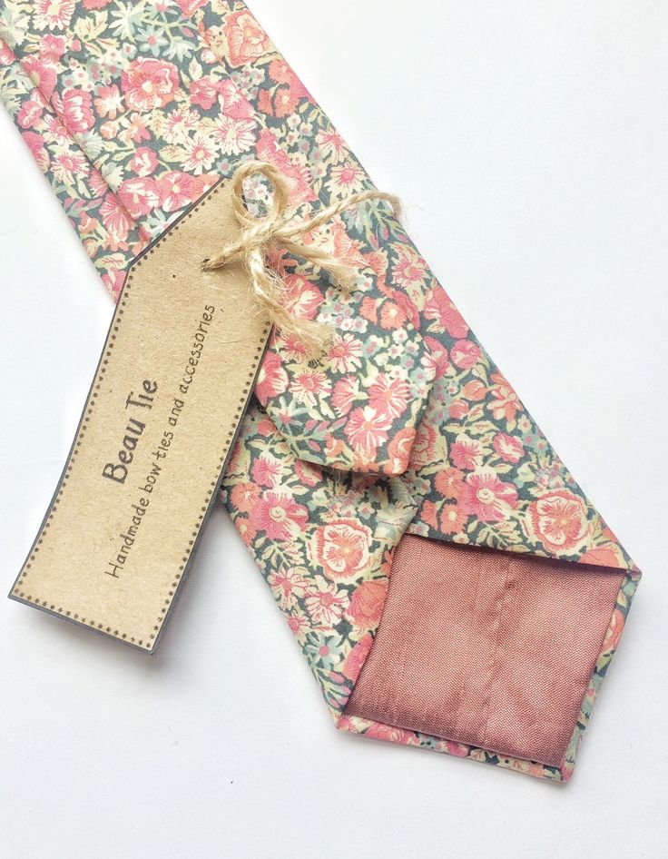 Liberty ditzy floral mens tie, great for a wedding Etsy shop https://www.etsy.com/uk/listing/275274666/floral-tie-liberty-print-tie-mens-skinny