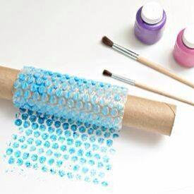 Figuurtjes maken met een wc-rol en bubbeltjes plastic