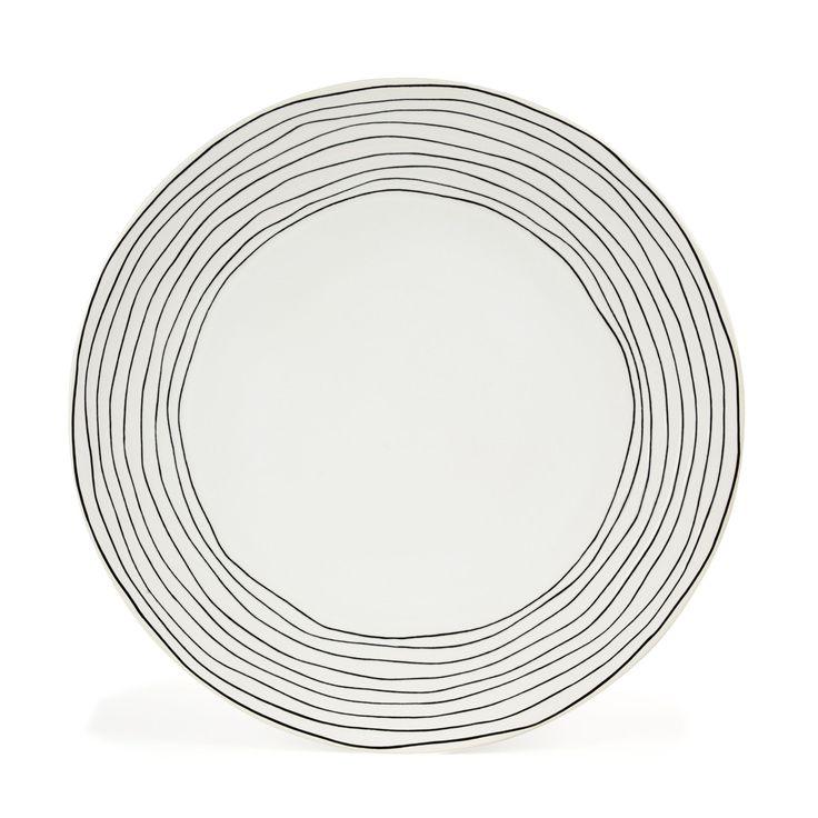 assiette plate en gr s blanc avec lignes irr guli res noires blanc curve les assiettes. Black Bedroom Furniture Sets. Home Design Ideas
