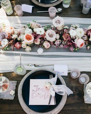 Flower-filled tablescapes from our recent shoot with @partywithlenzo 🙌🌿 Featuring our rattan charger plates, matte black dinner plates & silver cutlery ✨ Captured by @figtreepictures with @floralandmineral @featherandstone @favorlanepartyboutique @paigetuzee_designs @byronviewfarm 🌿