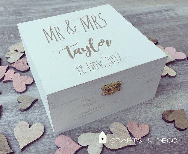 Handbemalt Schatulle mit Wunschtext! Falls Du noch ein passendes Geschenk für eine Hochzeitsfeier oder auch ähnliche Anlässe suchst, her ist das passende Geschenk. Die Holzkästchen im Shabby /...
