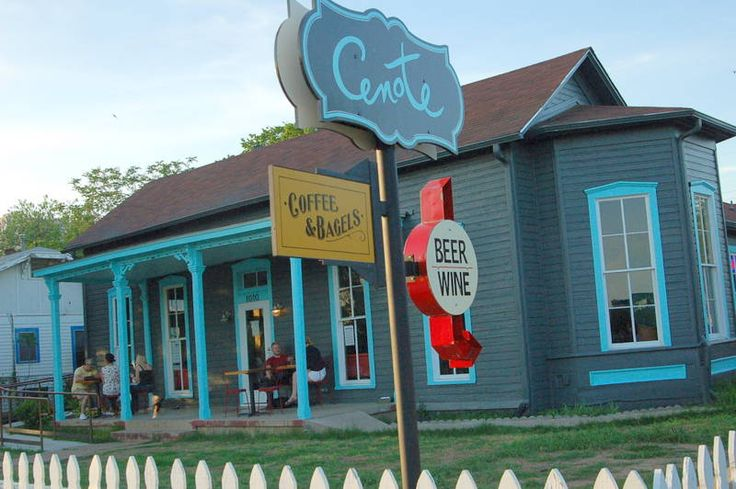 Best West Austin Dog Friendly Restaurants
