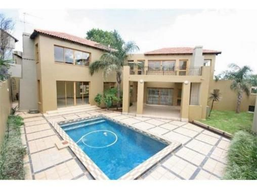 4 Bedroom Townhouse for sale in Bedfordview R4.25m