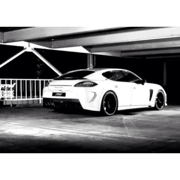 black white porsche panamera - Porsche Panamera Black And White