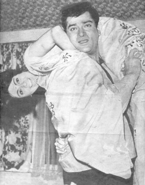 Babita and Shammi Kapoor. I'm not quite sure whether this is Babita or not. Please correct me if I'm wrong here.