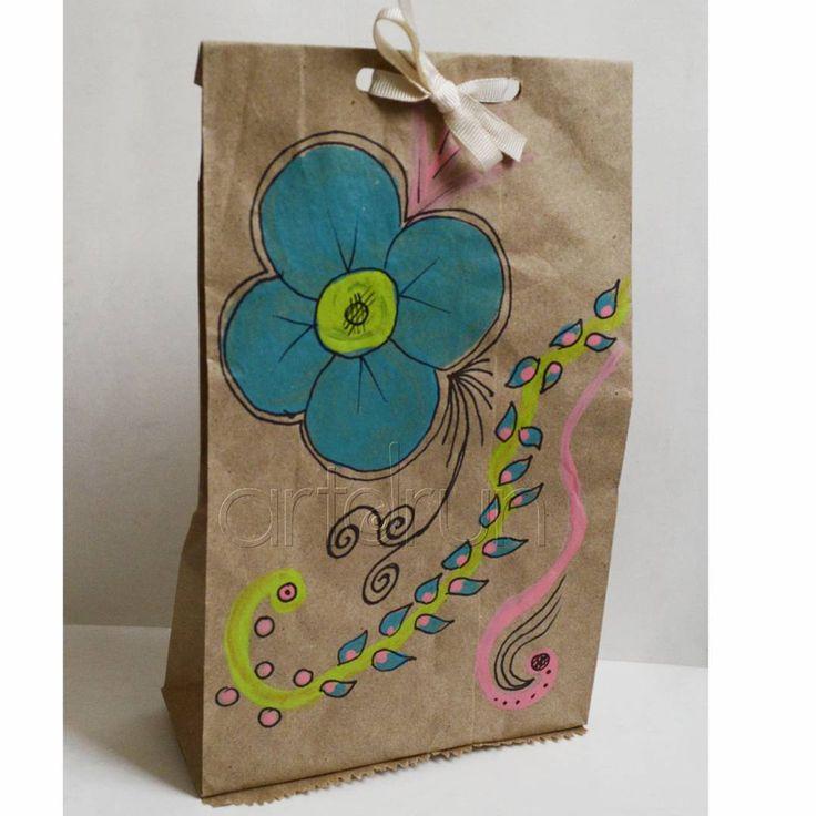 Bolsas de papel decoradas para regalos