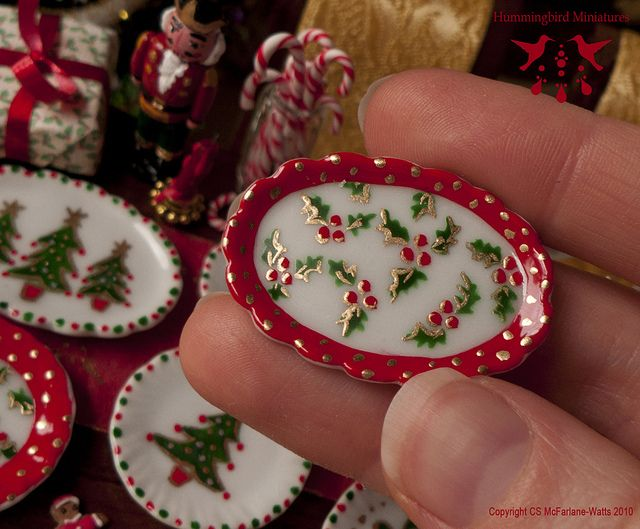 Handpainted Christmas Dish – Dollhouse miniature in 1:12 scale by Hummingbird Miniatures, via Flickr