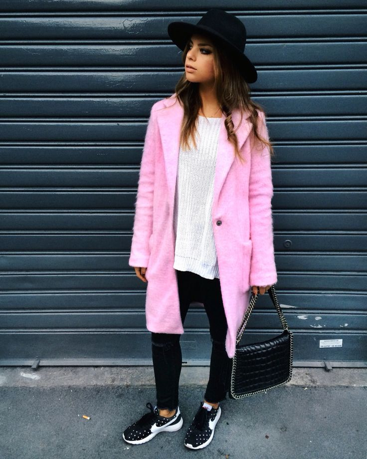 Cotton Candy Shop Art pink coat, H&M hat, Zara bag, Nike sneakers.