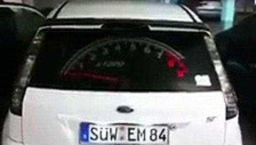 compte-tours fonctionnel sur la lunette arrière de sa voiture http://www.dailymotion.com/video/x5f8h3i_compte-tours-fonctionnel-sur-la-lunette-arriere-de-sa-voiture_auto