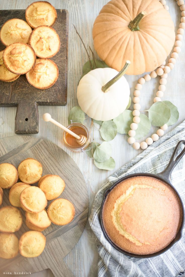 Golden Sweet Cornbread Recipe | This golden sweet cornbread recipe makes perfect muffins for your everyday dinner or Thanksgiving side! #cornbread #recipe #thanksgiving #dinner #sidedish