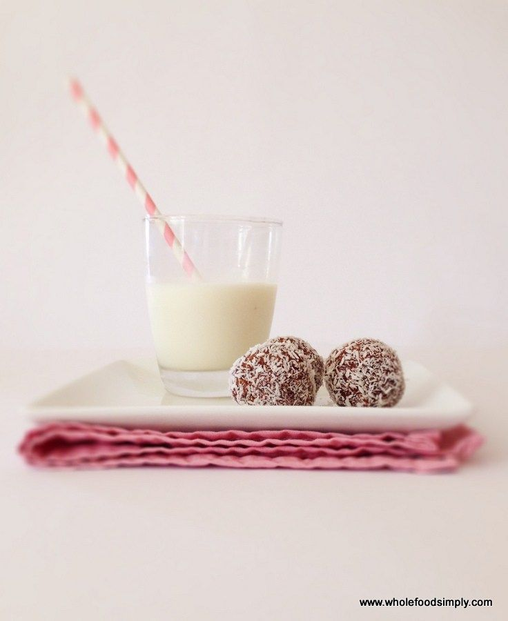 School Snacks.  Quick, simple and delicious!  Free from dairy, eggs and refined sugar.  Enjoy!