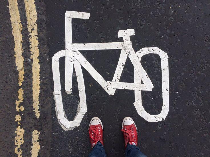 научите британцев рисовать велосипед