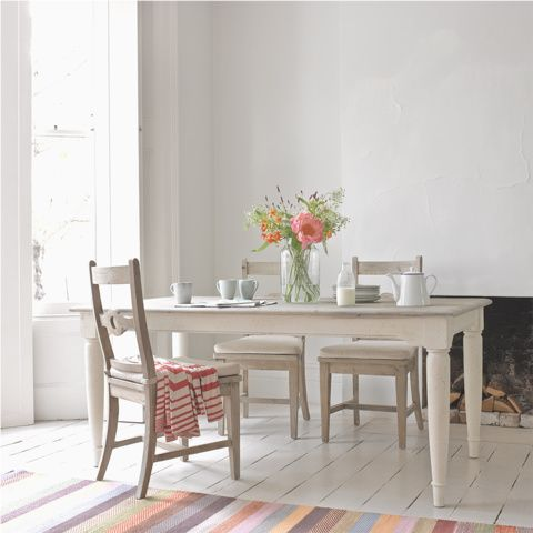 BAKER BOY KITCHEN TABLE | Loafhome ~ A veritable slice of farmhouse scrumminess, this is a table made for enjoying homemade jam, freshly picked wildflowers and lazy brunches. Yum.