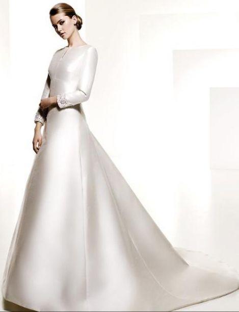 Белое принцессы простое скромное свадебное платье со шлейфом с рукавами  с закрытыми плечами зимнее