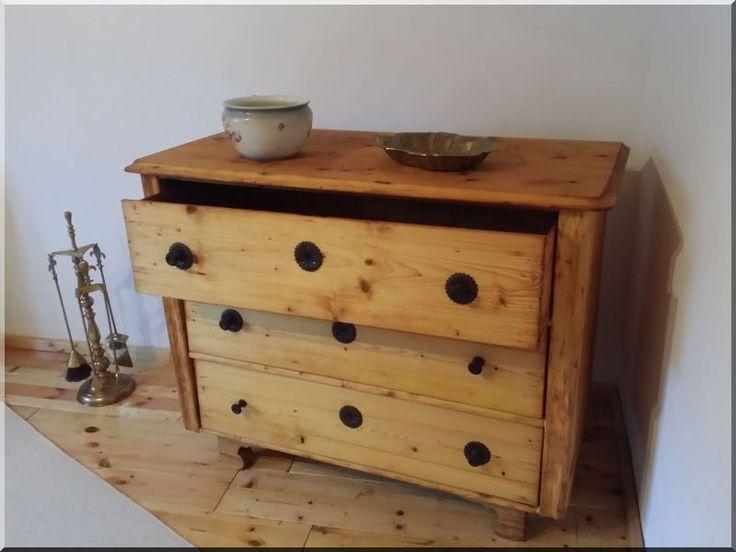 felújított antik bútor