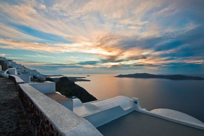 http://archipelmansion.com/our-santorini/