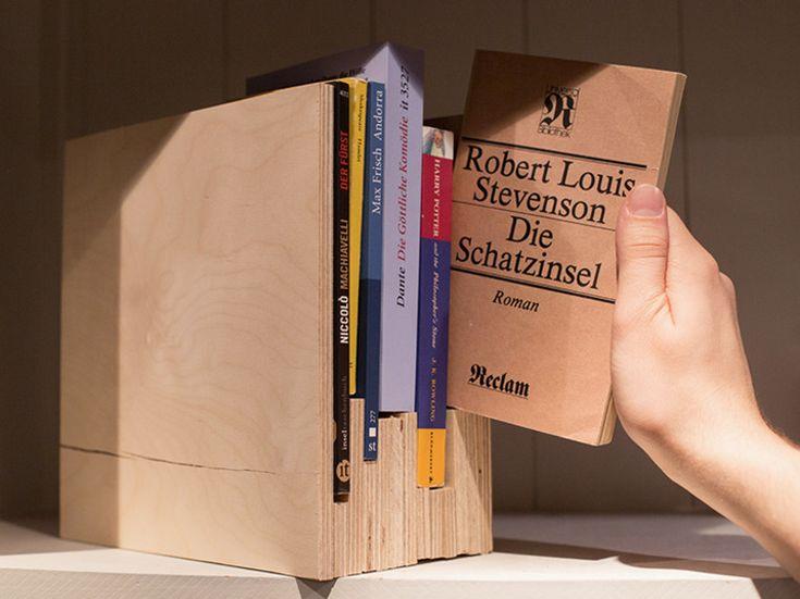 DIY-Anleitung: Bücherhalterung aus Multiplex-Platten bauen