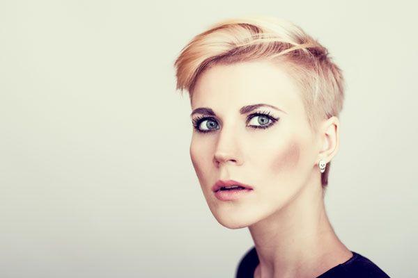 Unique Short Hairstyles: 1000+ Ideas About Undercut Pixie Haircut On Pinterest