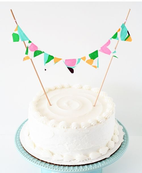 10 Simple DIY Cake Toppers  #cakes #caketoppers #diy #baking #yummy #recipe