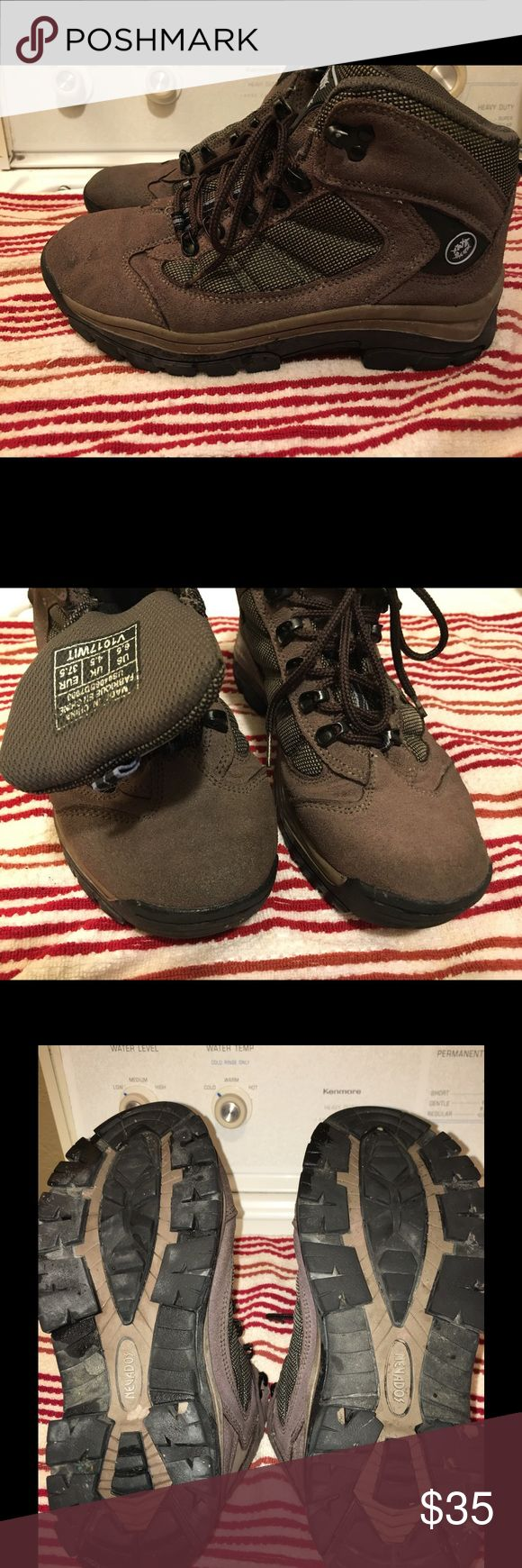 Hardly Used! Nevados Ladies Hiking Boots! So nice! I wore these for a couple of short hikes, then never hiked again; they've been sitting in my closet waiting for a new owner. VERY clean, great condition, the tread is all there (see pics). These boots will work and feel like new for you. One of the laces got lost when I pulled them out to inspect the shoes (I suspect cat involvement). If you buy, I'll throw a new pair of laces on for you. Make an offer, or bundle up to save! Nevados Shoes…