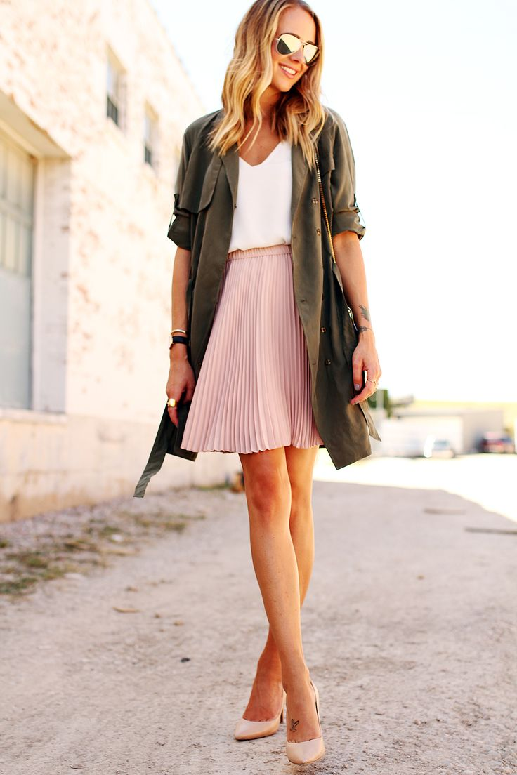 Give your summer style an ultra feminine touch with our drapey olive green trench | Banana Republic
