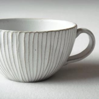OH I like this....very fine carved lines...The glaze breaks nicely over it. Going to try thisfrom mar store -- @Susan Caron Caron Caron Seward