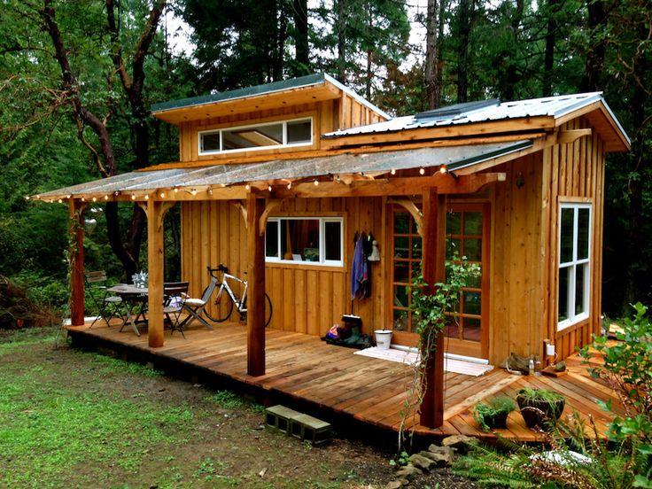 Petite maison sitée à Salt Sping Island en Colombie-Britannique. Son nom est Keva elle a été construite sur...