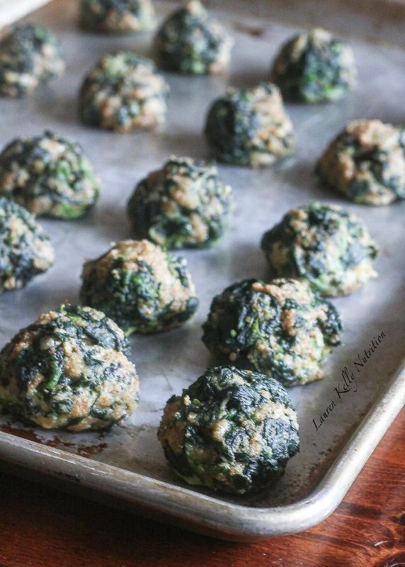 These Spinach Quinoa Balls make the perfect appetizer! They are easy to make and healthy too! @bobsredmill #glutenfree