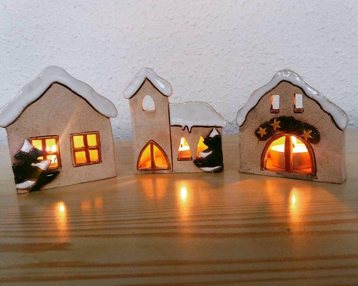 "18 To se mi líbí, 2 komentářů – Marta Vítková (@vitkmarta) na Instagramu: ""#keramika #ceramics #ceramica #vanoce #christmasdecoration #christmas #domecky"""