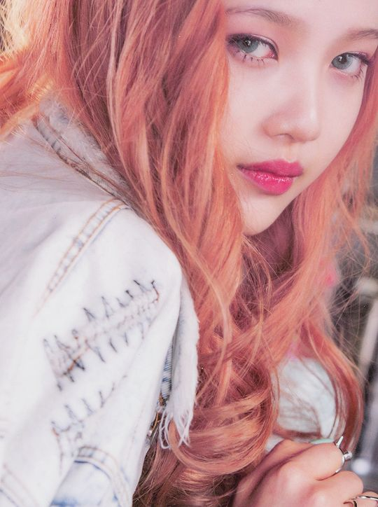 Red Velvet - Joy - ice cream cake ! <3 the hair