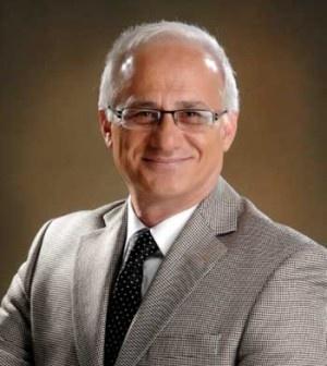 """CHP'nin Maltepe Belediye Başkanı Mustafa Zengin, kamuoyunda """"Senfoni Davası"""" olarak bilinen davadan beraat etti. CHP'li Maltepe Belediye Başkanı Mustafa Zengin, bir süredir yargılandığı Kartal 1. Ağır Ceza Mahkemesi'nde süren davadan beraat etti. Maltepe Belediyesi tarafından kurulan senfoni...      Kaynak: http://www.kartal24.com/2012/12/page/9/#ixzz2IXZlNk4V"""