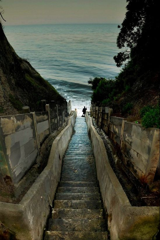 Steps off of Santa Cruz Street in Santa Barbara