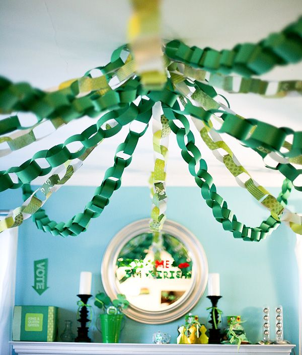 St Patricks Day decorations - chain link banners. We are going to do something like this in our classroom. Maybe with a big stuffed paper shamrock in the center.
