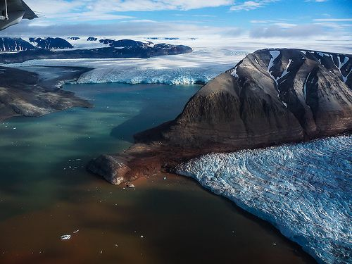 Kongsfjord and Kongsbreen Glacier. Photo by Daniele Ceccato on Flickr