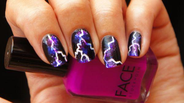 Wow! mooie bliksem nagels.