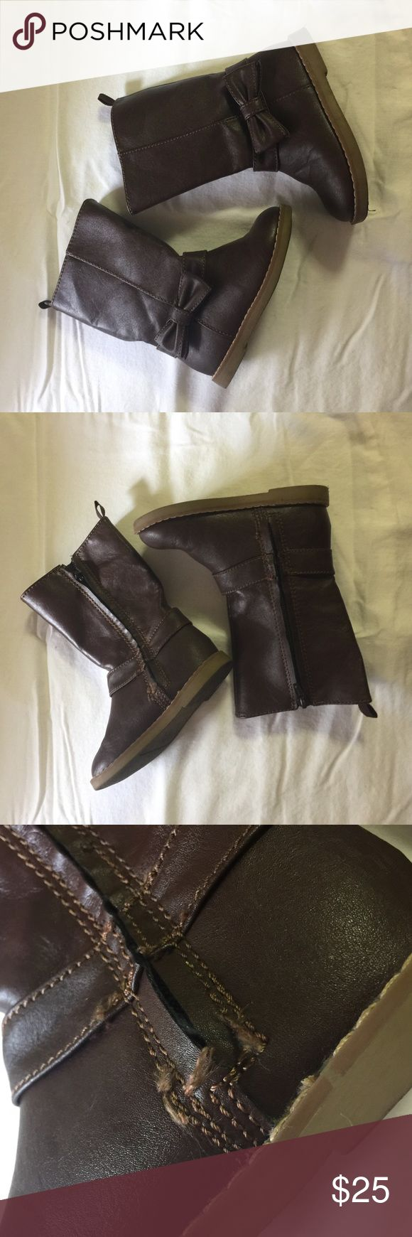 Baby Gap Brown Bow Riding Boots Pre-owned, gently used, Baby Gap Brown Bow Riding boots. Sz 8. In great condition. One of the Boots has loose stitching as pictured, but it is not broken. GAP Shoes Boots