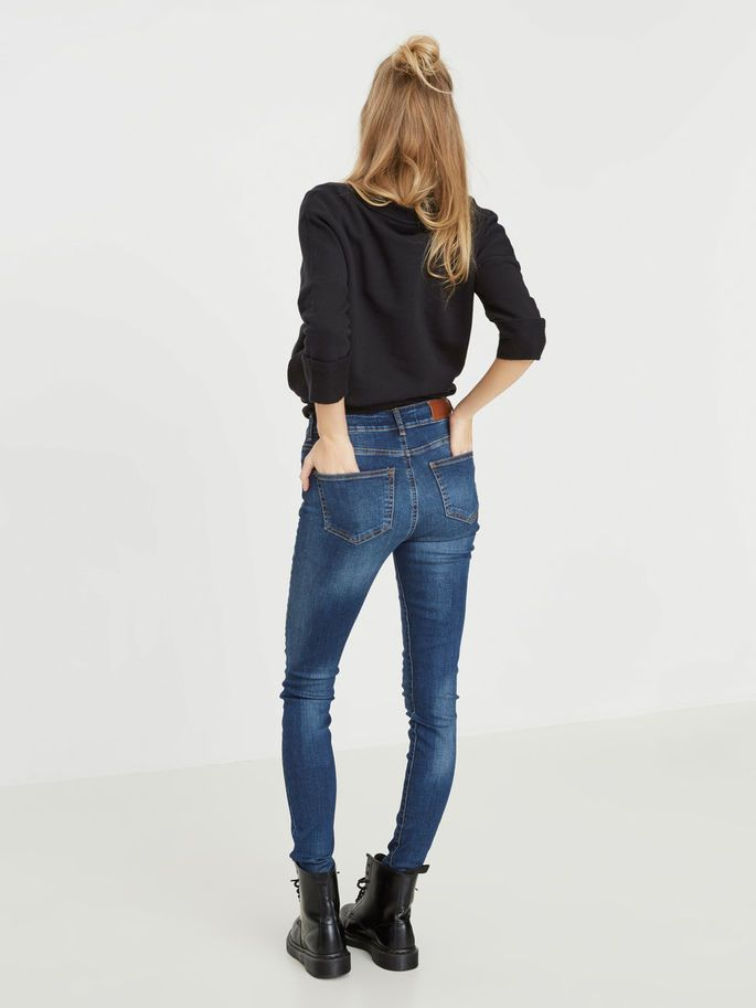 Meet lucy - the all time favorite jeans