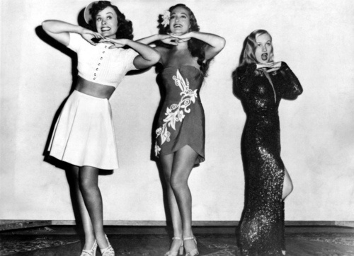 PARAMOUNT CUTIES - Paulette Goddard, Dorothy Lamour & Veronica Lake - Paramount - Publicity Still.