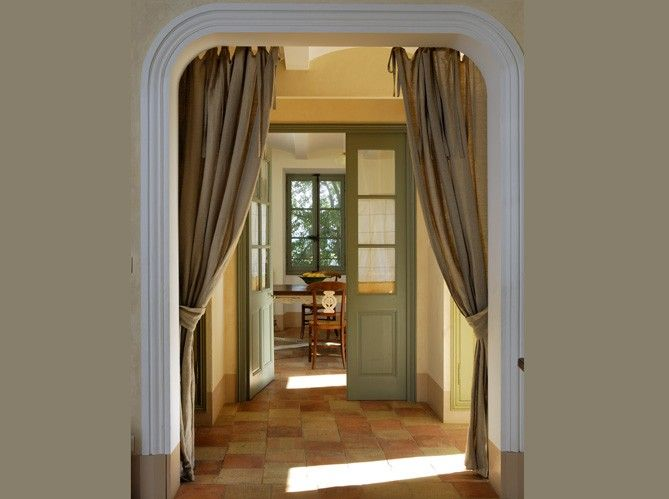Love curtains in the doorway!