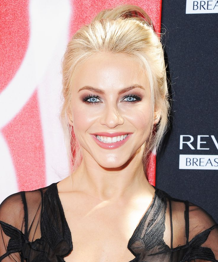Julianne Hough Had an '80s Supermodel Moment You Need to See from InStyle.com