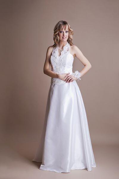 Szalai Anikó - Egyedi esküvői ruha, menyasszonyi ruha, menyecske ruha, koszorúslány ruha, örömanya ruha, elsőáldozó ruha, alkalmi ruha, táncruha, fitness ruha, hostess ruha, jelmez, ballagási ruha, szalagavató ruha, gyermek alkalmi ruhák, gyermek alkalmi ruha temetésre, fekete gyermek alkmalmi ruha készítése.