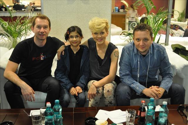 Ședință de autografe la Botoșani - aprilie 2013.
