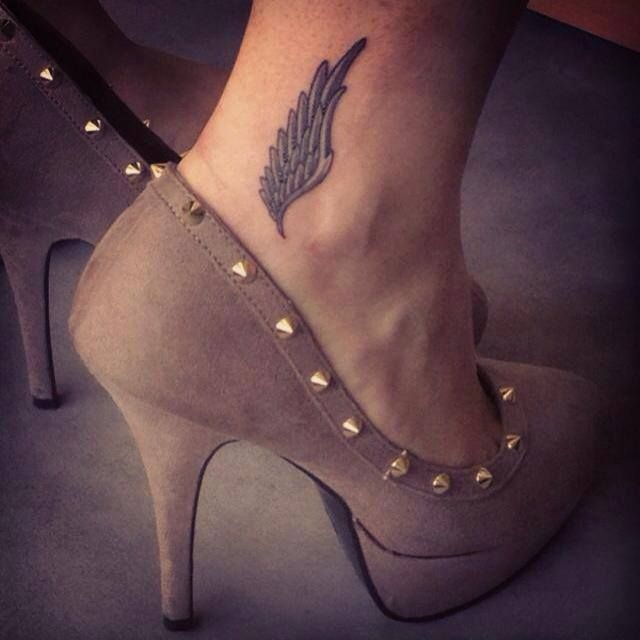 Pinner says-Love it, want to get matching Hermes ankle wings tattoo w/my big sis because we are forever runners!